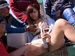 女学生が漁師に奉仕!