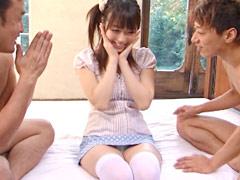 美少女の生ハメ3P♪